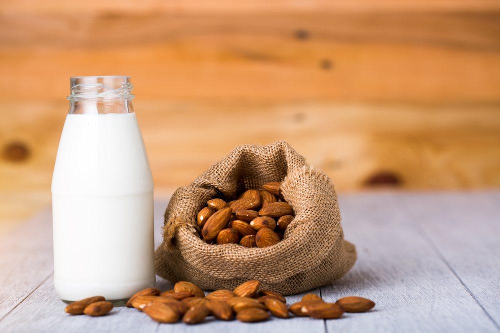 Benefícios do leite de amêndoa